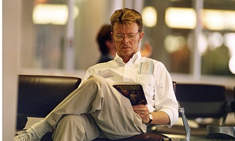 Bowie reading about Francis Bacon in 1995.